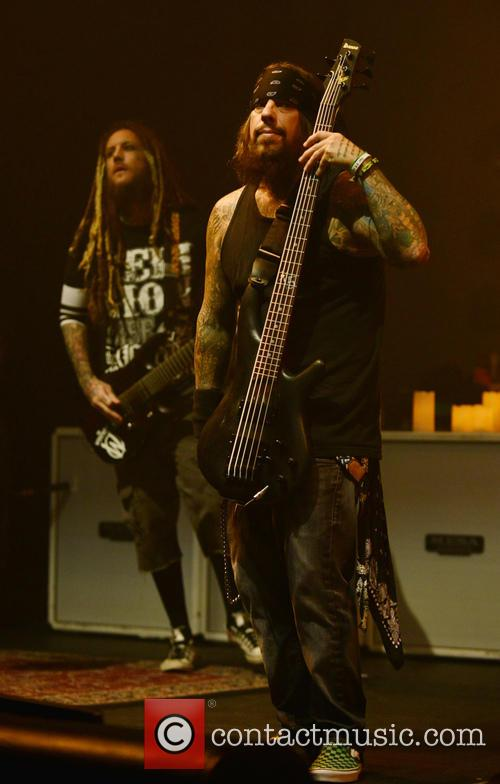 Korn, Brian Head Welch, Reginald Fieldy Arvizu and Jackie Gleason 1