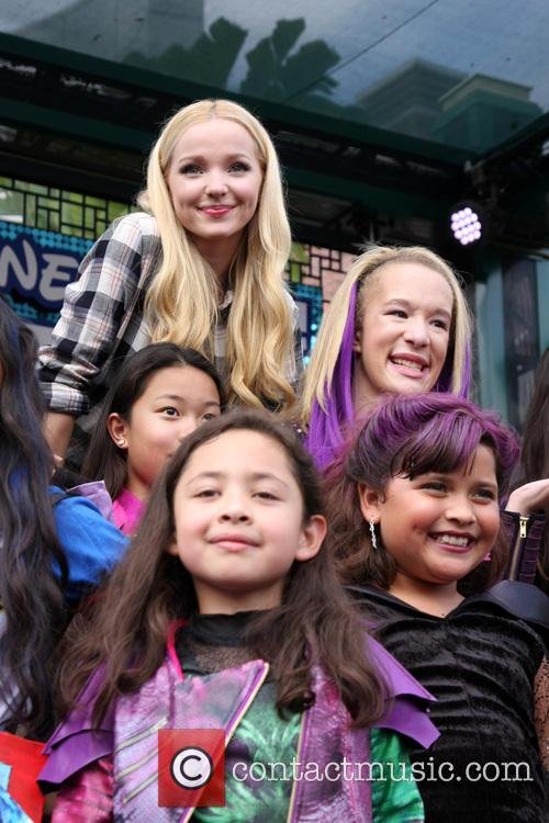Dove Cameron and Fans 1