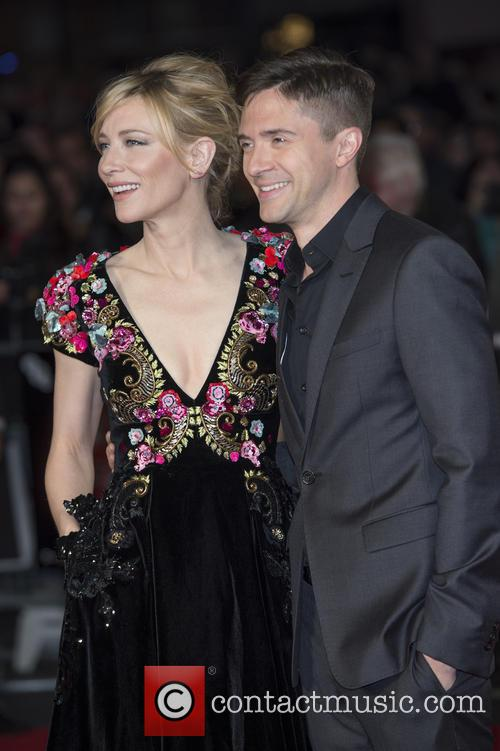 Cate Blanchett and Topher Grace 10