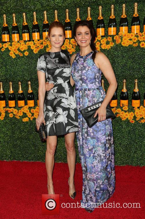 Darby Stanchfield and Bellamy Young 3