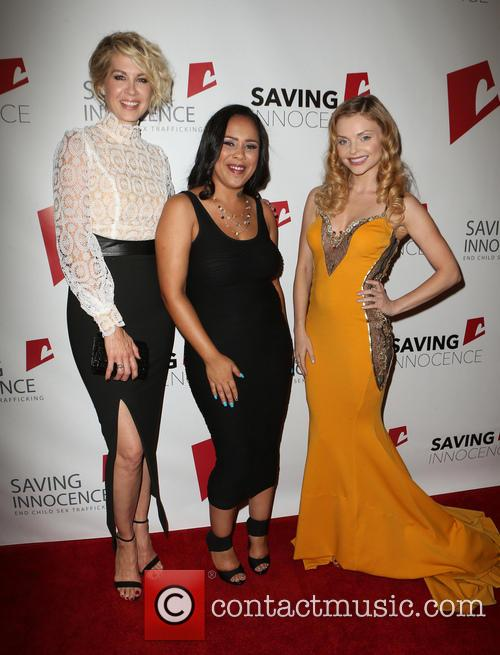 Jenna Elfman, Kim Biddle and Izabella Miko 1