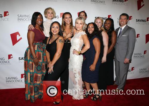Jenna Elfman, Kim Biddle, Hannah Hajek, Jessica Midkiff and Guests 2