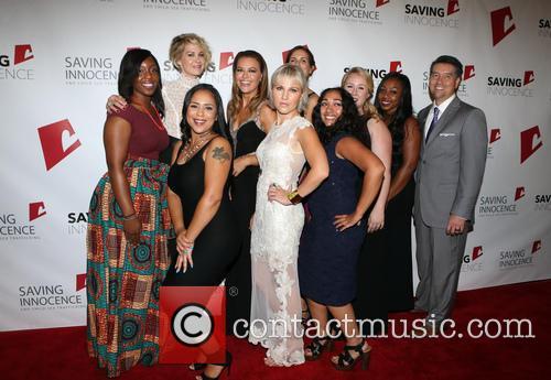 Jenna Elfman, Kim Biddle, Hannah Hajek, Jessica Midkiff and Guests 3