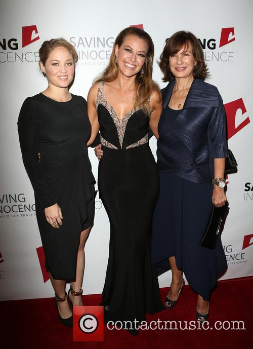 Erika Christensen, Kim Biddle and Anne Archer 1