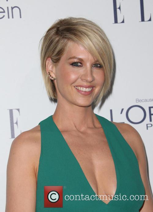Jenna Elfman 11