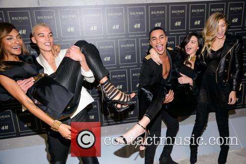 Olivier Rousteing, Kendall Jenner, Gigi Haded and Jourdan Dunn 3