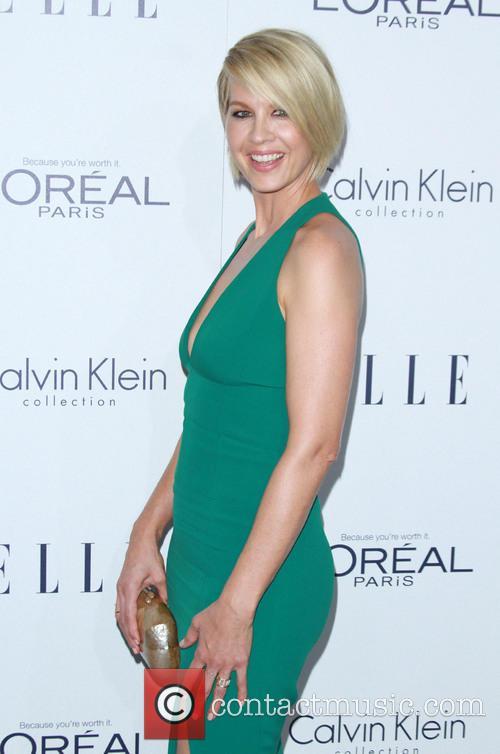 Jenna Elfman 1