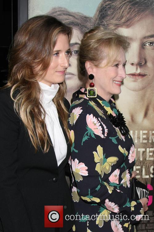 Grace Gummer and Meryl Streep 4