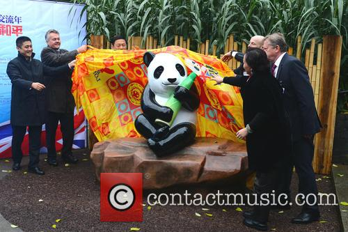 Ming The Giant Panda Statue 1