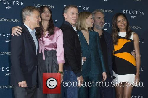 Christoph Waltz, Monica Bellucci, Daniel Craig, Lea Seydoux, Sam Mendes and Naomi Harris 1