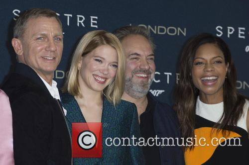 Daniel Craig, Lea Seydoux, Sam Mendes and Naomi Harris 1