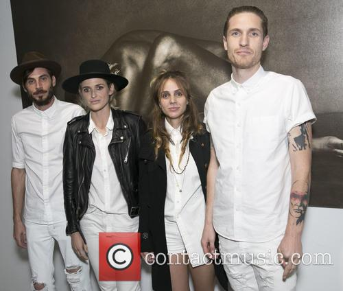 Chris Null, Emily Armstrong, Siouxsie Medley, Sean Friday and Dead Sara 1