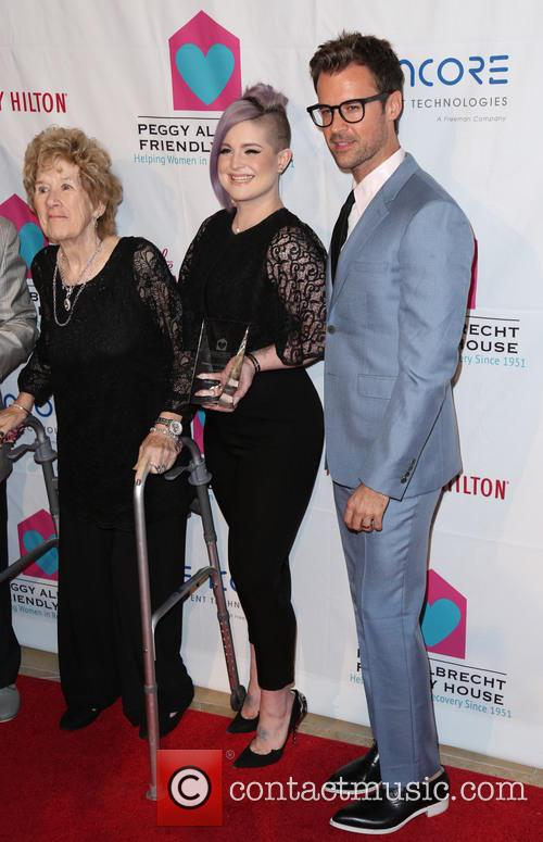 Kelly Osbourne, Brad Goreski and Peggy Albrecht 1