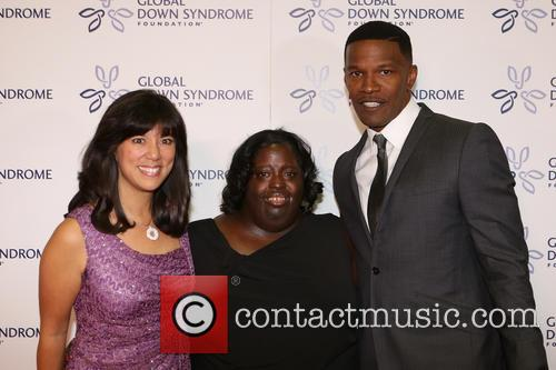 Jamie Foxx, Deondra Dixon and Ceo Of Global Down Syndrome Foundation Michelle Sie Whitten 1