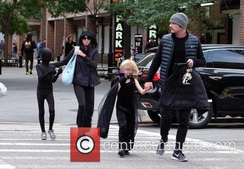 Liev Schreiber, Naomi Watts, Alexander Schreiber and Samuel Schreiber 3