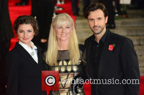 Daisy Bevan, Joely Richardson and Michael Xavier 1