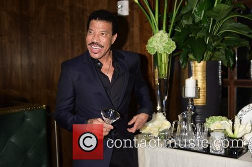 Lionel Richie Jokes That He Contacted His Lawyer's Over Adele's 'Hello'