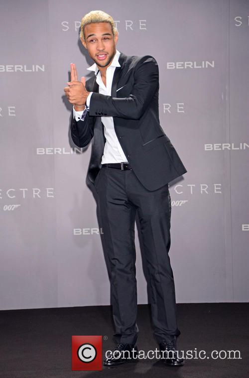 Simon Desue, Bond and Sony 1