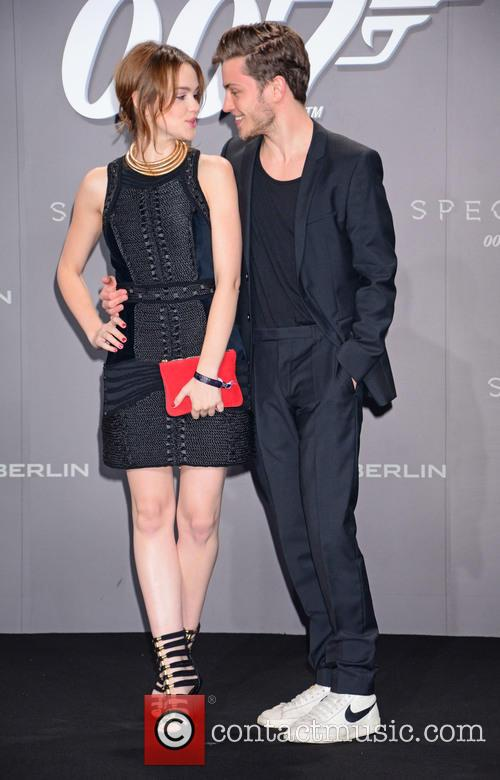 Emilia Schuele, Jannik Schuemann, Bond and Sony 3
