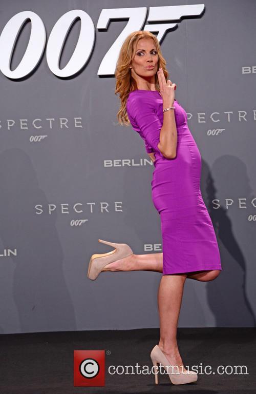 Kerstin Linnartz, Bond and Sony 2
