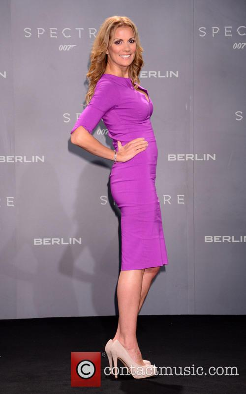 Kerstin Linnartz, Bond and Sony 3