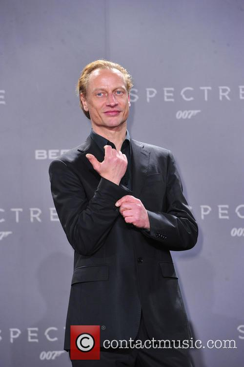 Victor Schefe and Bond 4