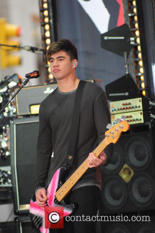 5 Seconds of Summer performs on Today Show...
