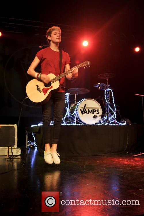 The Vamps and The Tides 6