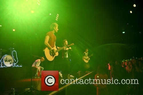 The Vamps and The Tides 7