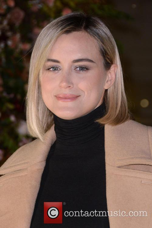 Taylor Schilling 6