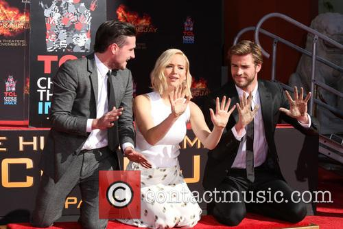 Josh Hutcherson, Jennifer Lawrence and Liam Hemsworth 7