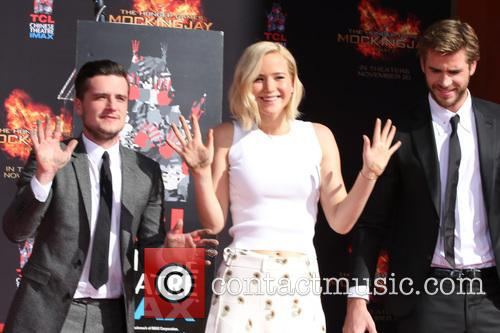 Josh Hutcherson, Jennifer Lawrence and Liam Hemsworth 9