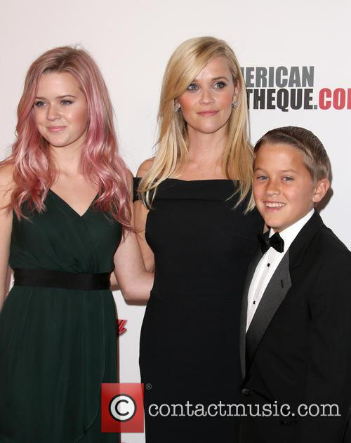 Ava Phillippe, Reese Witherspoon and Deacon Phillippe 2