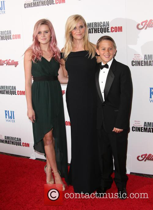 Ava Phillippe, Reese Witherspoon and Deacon Phillippe 3