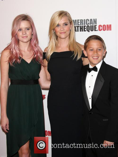 Ava Phillippe, Reese Witherspoon and Deacon Phillippe 4