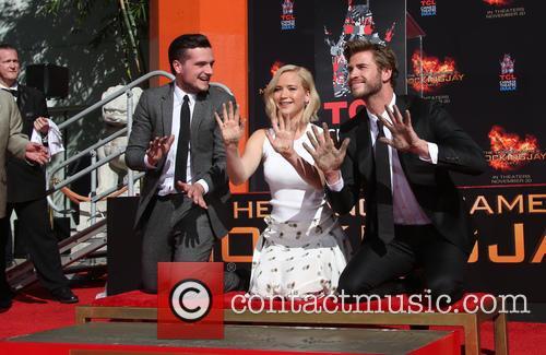 Josh Hutcherson, Jennifer Lawrence and Liam Hemsworth 7