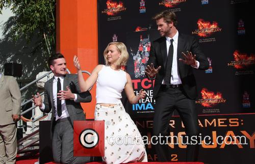 Josh Hutcherson, Jennifer Lawrence and Liam Hemsworth 9