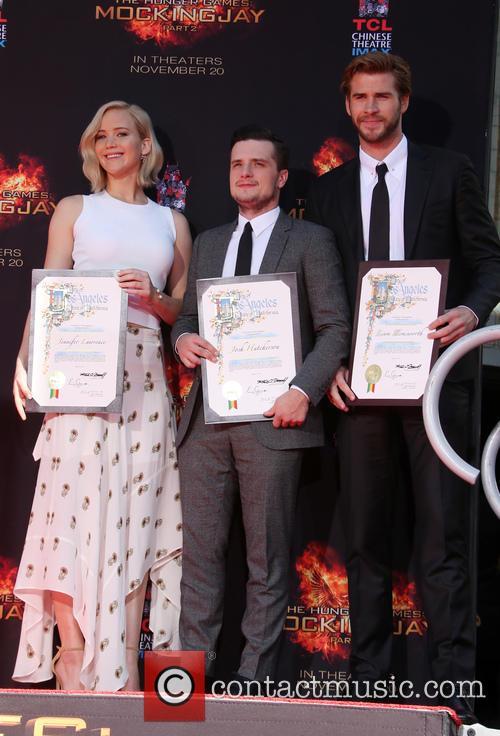 Jennifer Lawrence, Josh Hutcherson and Liam Hemsworth 8