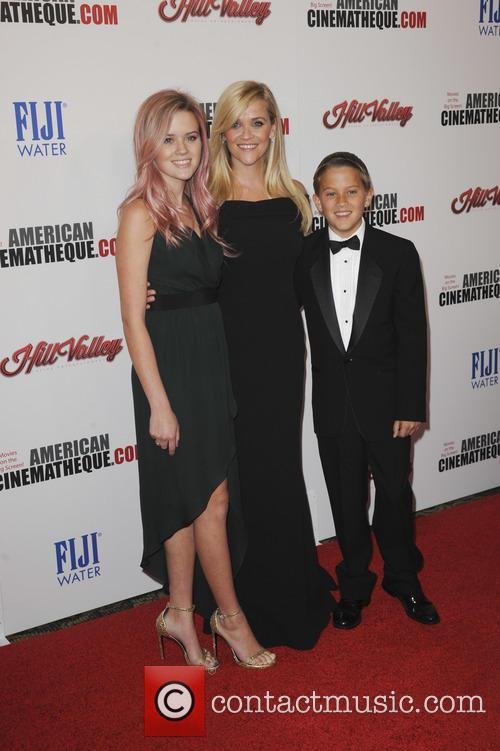 Reese Witherspoon, Ava Phillippe and Deacon Phillippe 1