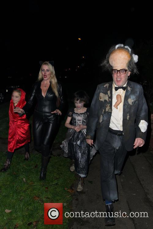 Vic Reeves, Nancy Sorrell, Elizabeth Moir and Nell Moir 3