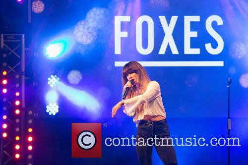 Louisa Rose Allen and Foxes 1