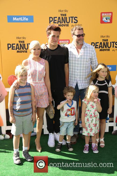 Tori Spelling and family
