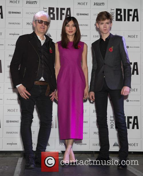 Elliot Grove, Gemma Chan and Thomas Brodie-sangster 2
