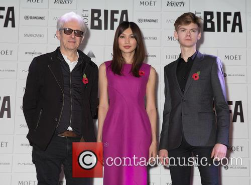 Elliot Grove, Gemma Chan and Thomas Brodie-sangster 3