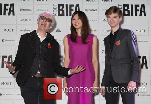 Elliot Grove, Gemma Chan and Thomas Brodie-sangster 4