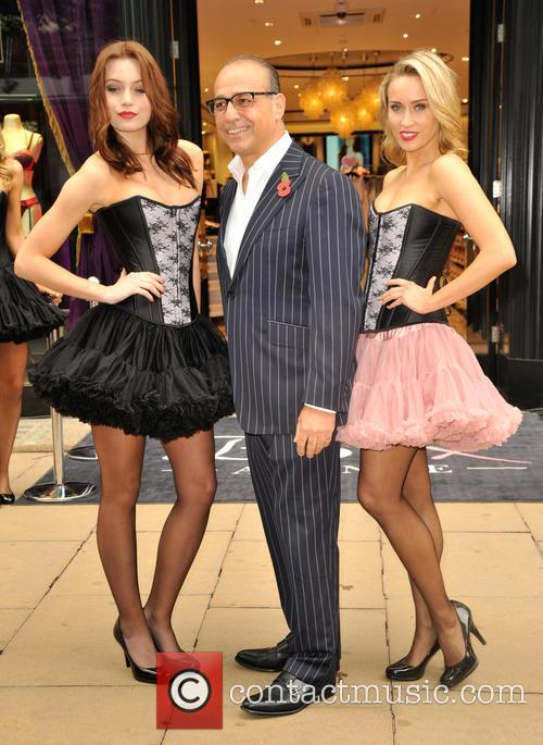 Theo Paphitis, Theo  Paphitis, L'sheilas Sisters and Polly Rae 2
