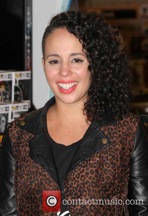 Raquel Sofía 2