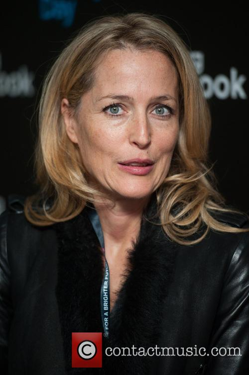 Gillian Anderson and Bloomberg 3