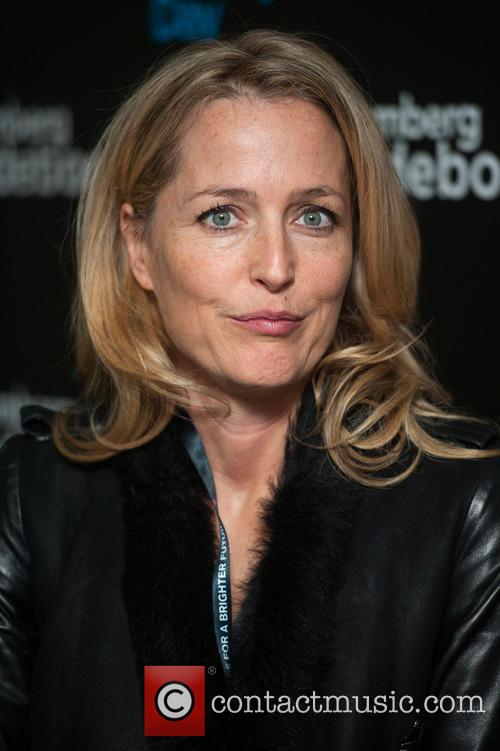 Gillian Anderson and Bloomberg 4