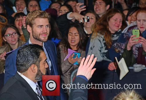 Liam Hemsworth and Fans 5